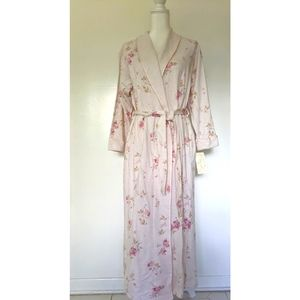 NEW Aria floral robe